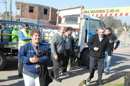 280 familias de Tigre recibieron la garrafa social