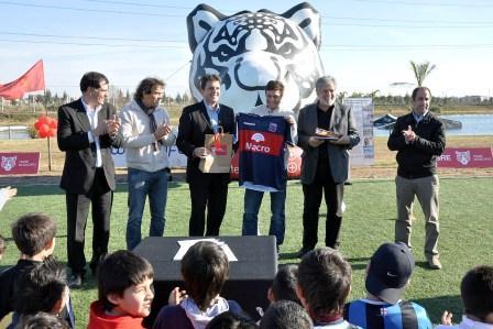 La fundación de Javier Zanetti y el Municipio de Tigre lanzaron el programa El deporte nos iguala