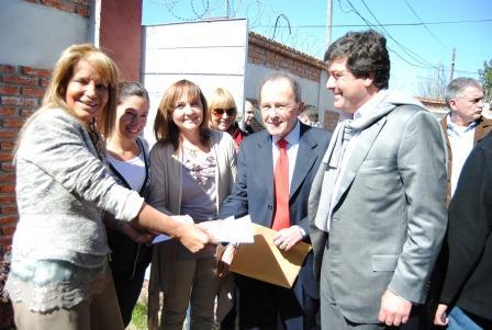 Junto al Intendente García, visitó la institución Juan Gabriel Mariotto, presidente de la Autoridad Federal de Servicios de Comunicación Audiovisual (AFSCA) y candidato a vicegobernador bonaerense