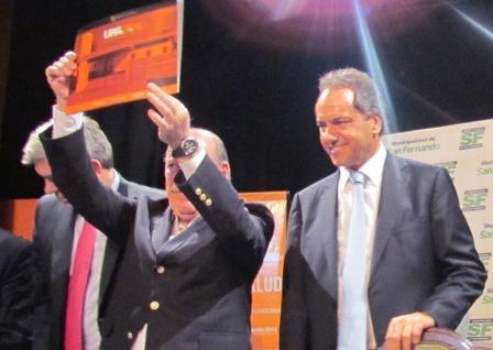 Amieiro y Scioli dieron un paso histórico para acercar a los barrios atención en consultorio, especialidades y emergencias para descomprimir el Hospital, con la firma del convenio UPA