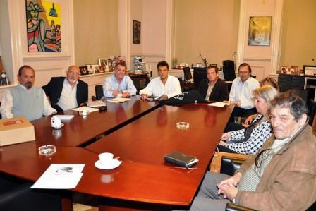 El Intendente de Tigre, Sergio Massa, recibió a la Comisión Directiva de la BibIioteca Popular y Museo del Cine Leonardo Favio