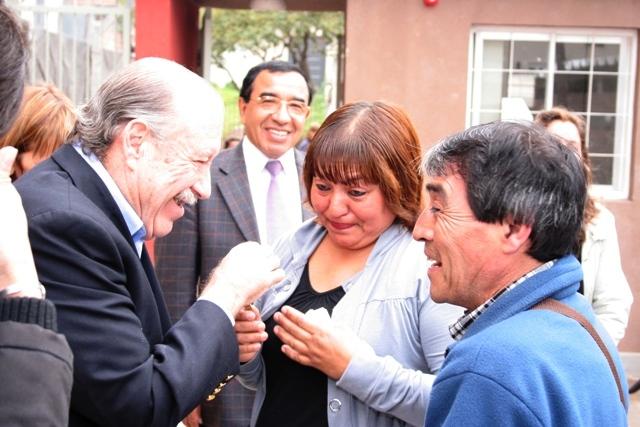 16 familias de San Fernando recibieron sus nuevas viviendas