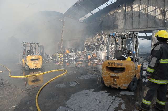 Un incendio destruyó un depósito de telefonía celular en El Talar