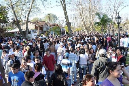 Tigre recibió a miles de jóvenes que disfrutaron junto al río