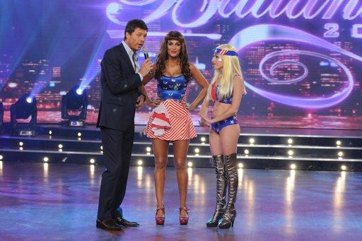 Escudero y Sofía Pachano recrearon la producción de Beyoncé y Lady Gaga