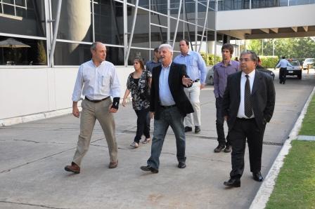 Luis Andreotti visitó la compañía Molinos y dialogó con sus gerentes