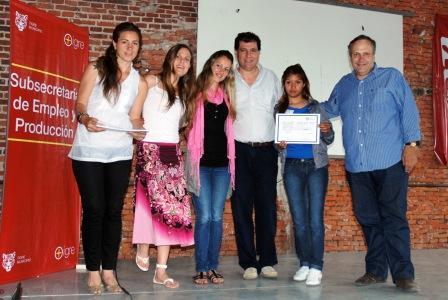 se realizó la entrega de los nuevos certificados de ingreso al programa Jóvenes + trabajo