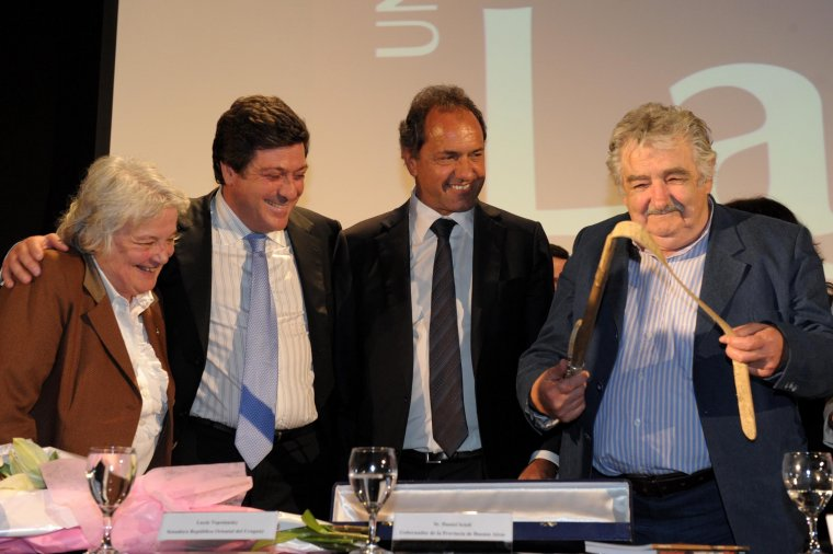 Scioli destacó el compromiso integrador de presidente uruguayo José Mujica