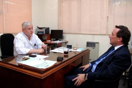 El futuro Secretario de Salud Gustavo Santero se reunió con al actual Secretario Martín Lisarrague