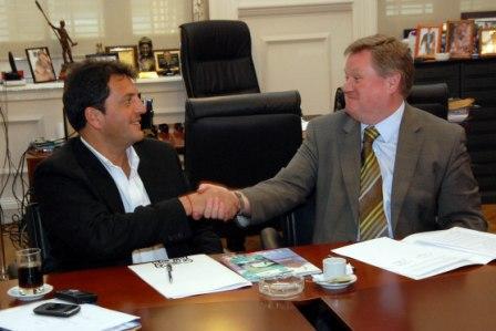 Massa firmó un convenio con el British Council