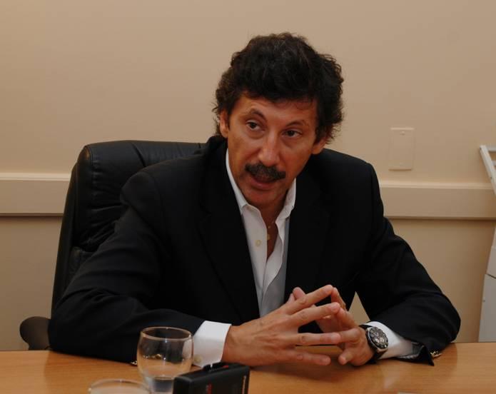 El Intendente de San Isidro, Dr. Gustavo Posse