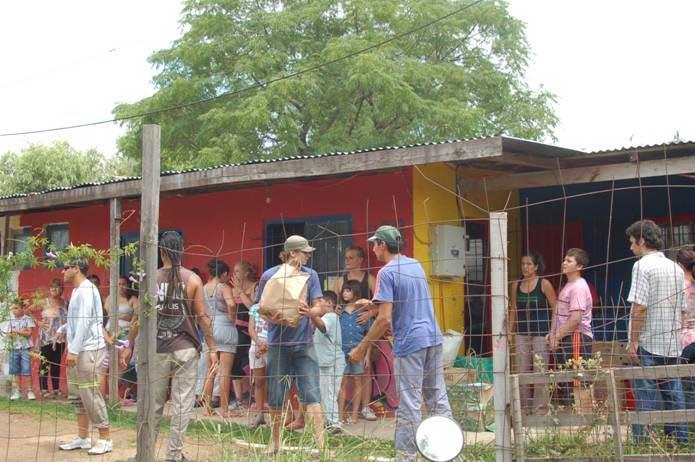 Acción solidaria en el bajo de San Isidro