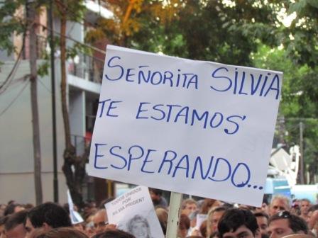 Masiva marcha en San Fernando en reclamo por la aparición de Silvia Prigent