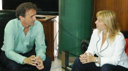 Katopodis recibió a la Ministra Cristina Álvarez Rodríguez