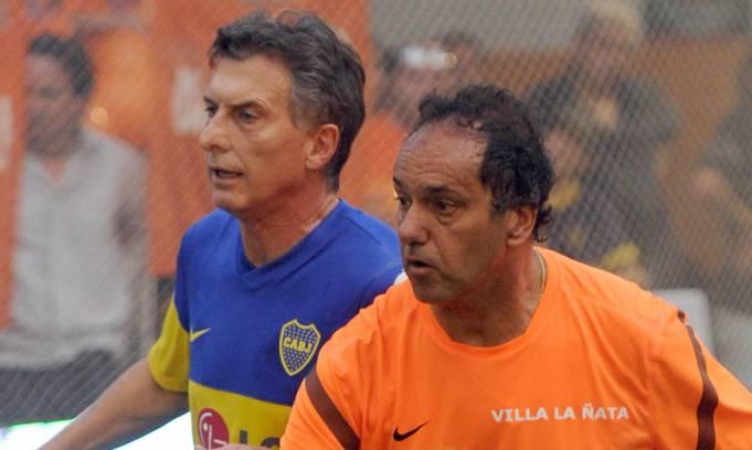 Scioli y Macri se mostraron juntos en un partido de futbol a beneficio