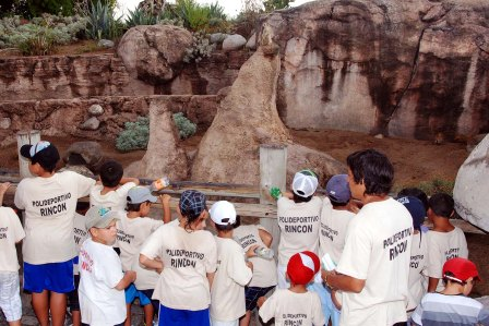 Los chicos de los polideportivos de Ricardo Rojas y Rincón de Milberg visitaron Temaikén.