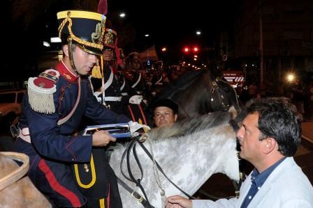 Tigre recibió y homenajeó a los Granaderos a Caballo de San Martín
