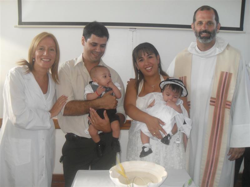Bautizaron a los mellizos de la fertilización asistida en el hospital de Pacheco