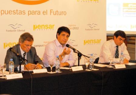 Jorge Macri expuso su visión de la gestión municipal en el Campus Faes 2012