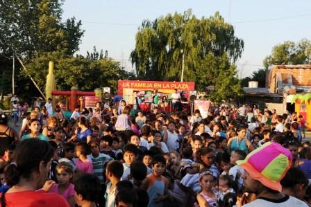 La Familia en la Plaza se realizó en el barrio Las Tunas