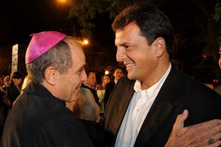 El Intendente de Tigre, Sergio Massa, participó de la misa que se llevó a cabo en la Catedral de San Isidro, para despedir y homenajear a Monseñor Jorge Casaretto