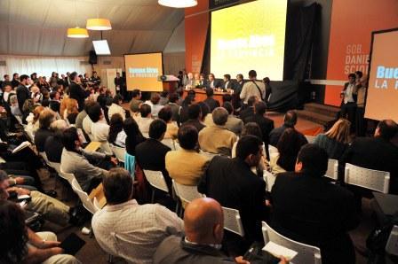 Realizan plenario de técnica legislativa para 400 concejales Bonaerenses