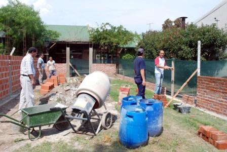 Autoridades del Municipio de Tigre visitaron las obras del futuro salón de usos múltiples que tendrá el Polideportivo Almirante Brown de la localidad de El Talar