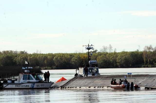 Amplio operativo para dar con ultimo tripulante desaparecido en el barco hundido en el Paraná