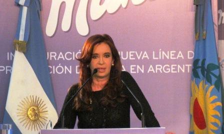 Cristina Fernández inauguró la nueva línea de producción de Milka en la empresa Kraft de San Fernando
