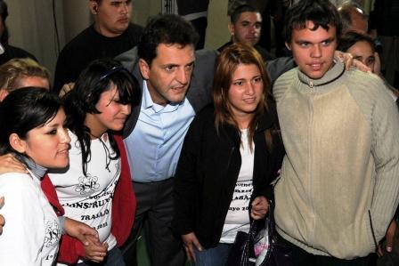 El cierre estuvo a cargo del intendente de Tigre, Sergio Massa y el secretario de Organización del sindicato UOyEP, Alberto Oscar Murúa