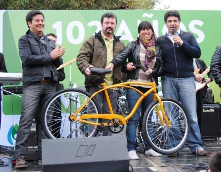 La Municipalidad de Vicente López organizó el acto central, que comenzó a las  11 de la mañana, en la Plaza Vianni, Laprida y avenida Mitre.