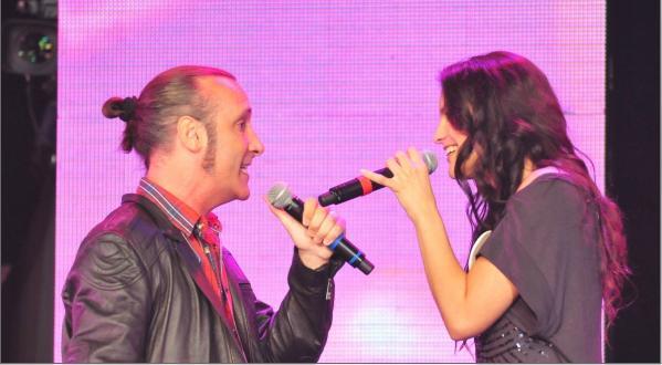 Manuel Wirzt sorprendió a una participante en Soñando por Cantar