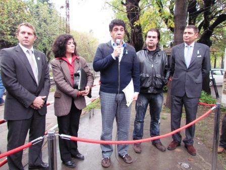 El intendente de Vicente López, Jorge Macri junto a Alicia Loza y César Zarini