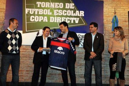 La empresa de TV satelital y el Municipio de Tigre presentaron el certamen de fútbol intercolegial