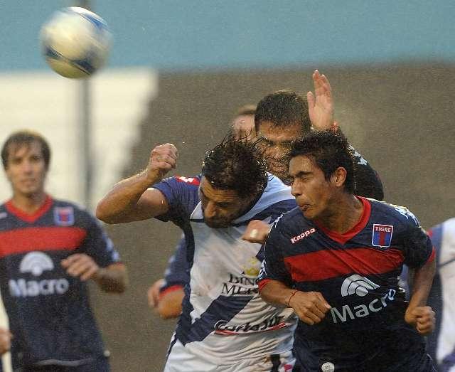 Deportivo Merlo dio la sorpresa, eliminó a Tigre y se metió en las semifinales de la Copa Argentina