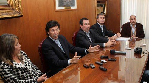 Ester Fandiño, Posse, Andrés Rolón, Federico Suñer y Carlos Castellano