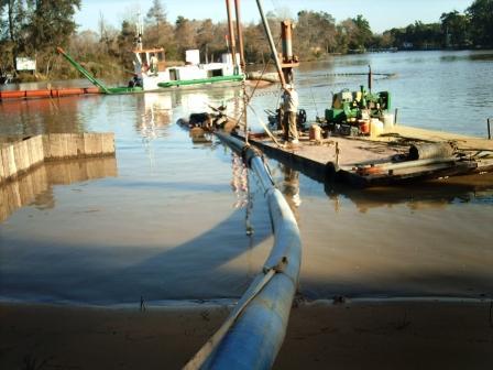 Comenzaron los dragados en el Río Sarmiento
