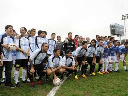 """La Fundación """"Pupi"""" jugó en Vicente López su clásico amistoso Argentina - Uruguay"""