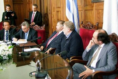 Tigre, San Fernando y Escobar firmaron acuerdos con Uruguay