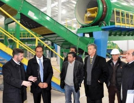 Scioli recorrió planta de reciclaje de CEAMSE