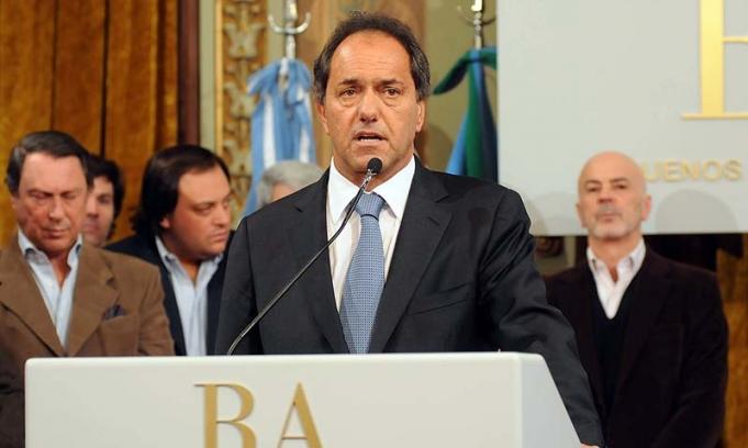 Scioli negó que exista un conflicto político con la Ppresidenta y un intento para desestabilizarlo