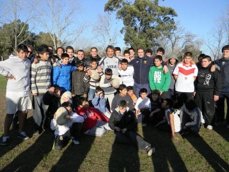 La  Asociación Civil Renacer de San Isidro conducida por el concejal Leandro Martin, realizó una Clínica de Rugby a cargo del ex jugador de Los Pumas Serafín Dengra