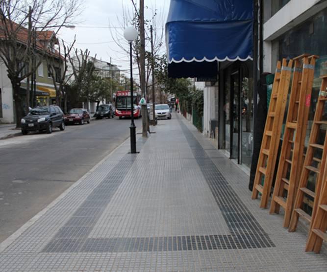 La calle Juan B. Justo luce renovada