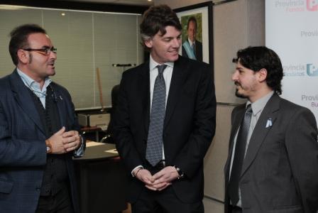 Jóvenes emprendedores de España con Nicolás Scioli