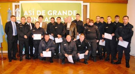 Vicente López distinguió  la abnegada labor del personal policial y de seguridad municipal