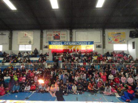 Una multitud en el festejó del Día del Niño del Peronismo Kirchnerista de Vicente López