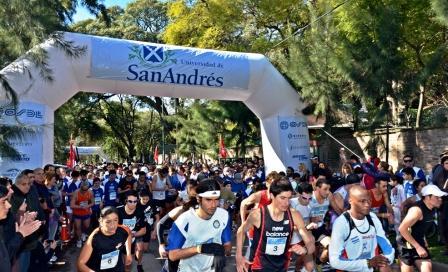 Más de 4 mil personas disfrutaron de la Maratón Universidad de San Andrés 2012
