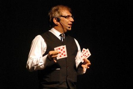 Varieté de magos cómicos en el Teatro Niní Marshall