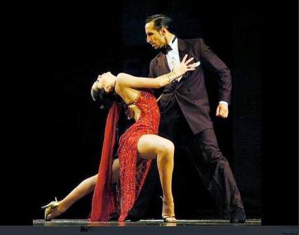 Ariel Leguizamón de El Talar y Yesica Esquivel de Ricardo Rojas compitieron en la final del Mundial de Tango 2012