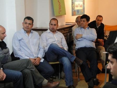 Gustavo Aguilera junto a Andres La Blunda se reunieron con empresarios e industriales de San Fernando